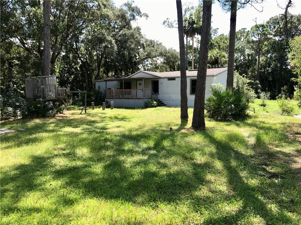 2115 BLUE FISH PLACE Property Photo - GENEVA, FL real estate listing