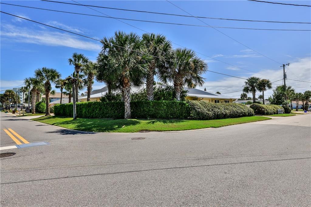 803 CAROL AVE Property Photo - NEW SMYRNA BEACH, FL real estate listing