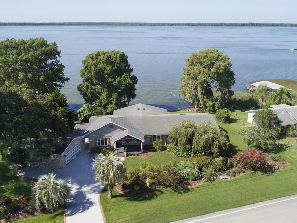 33845 LAKESHORE DRIVE Property Photo - TAVARES, FL real estate listing