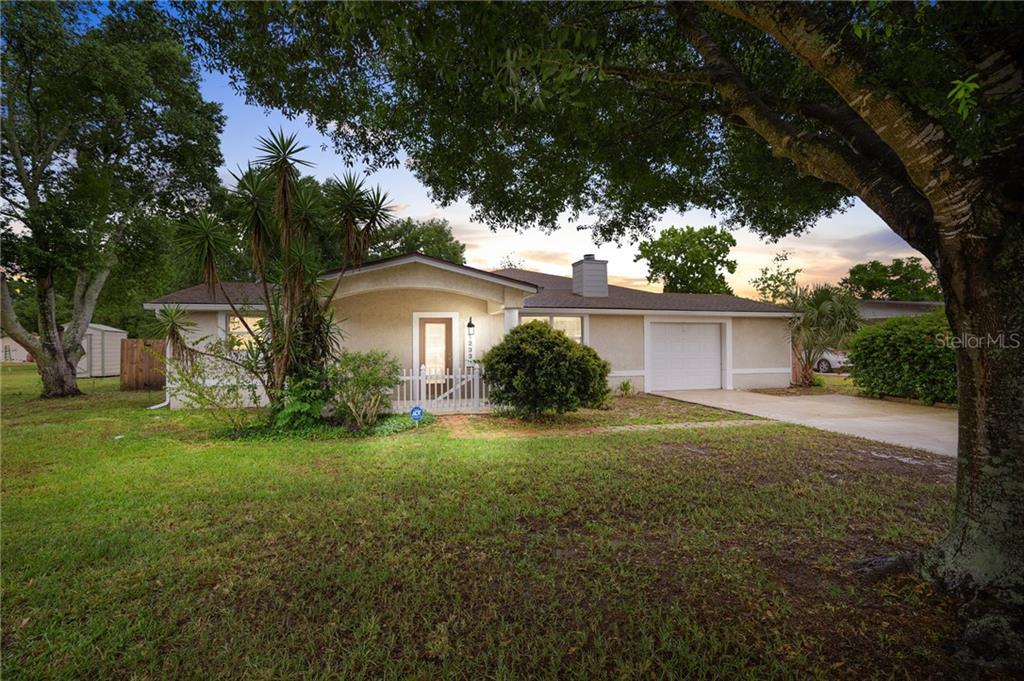 1233 W EMBASSY DRIVE Property Photo - DELTONA, FL real estate listing