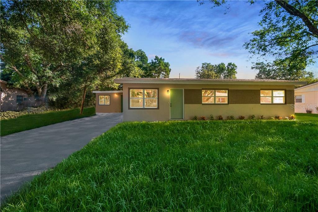 2952 Nicholson St Property Photo