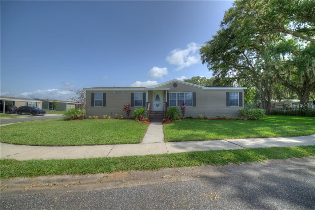 25118 HUCKLEBERRY WAY Property Photo - ASTATULA, FL real estate listing