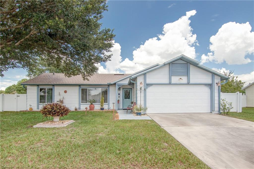 2461 OAK HOLLOW DR Property Photo - KISSIMMEE, FL real estate listing