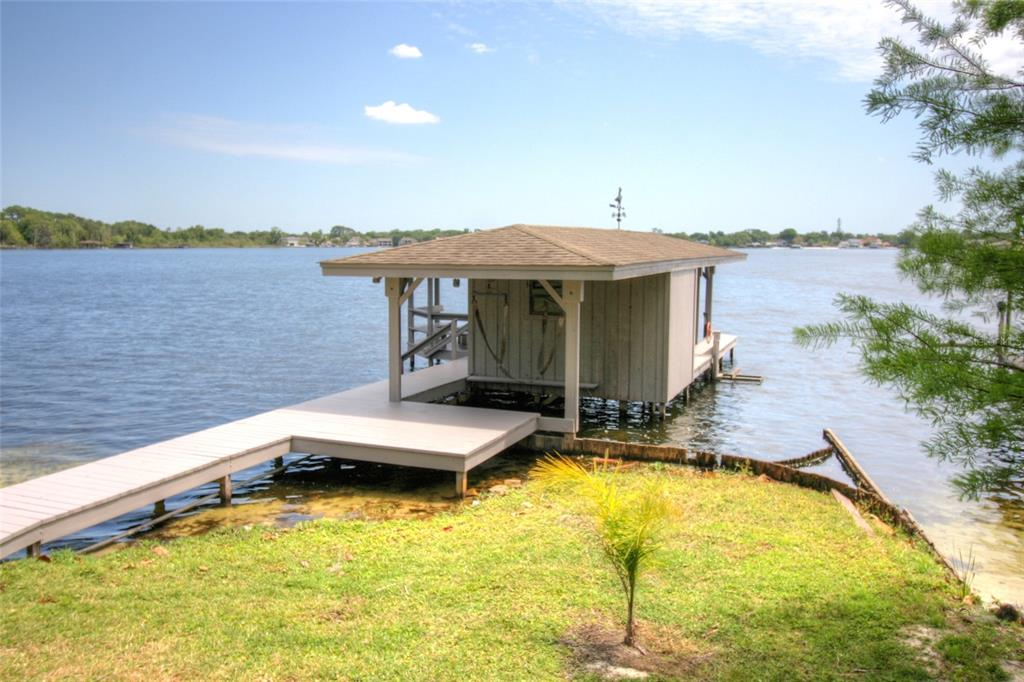 210 Green Lake Circle Property Photo