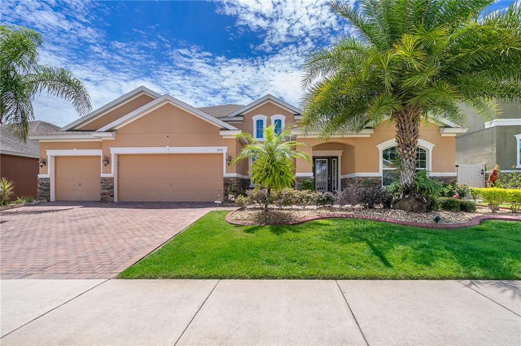 979 COUNTS CREST CIR Property Photo - APOPKA, FL real estate listing