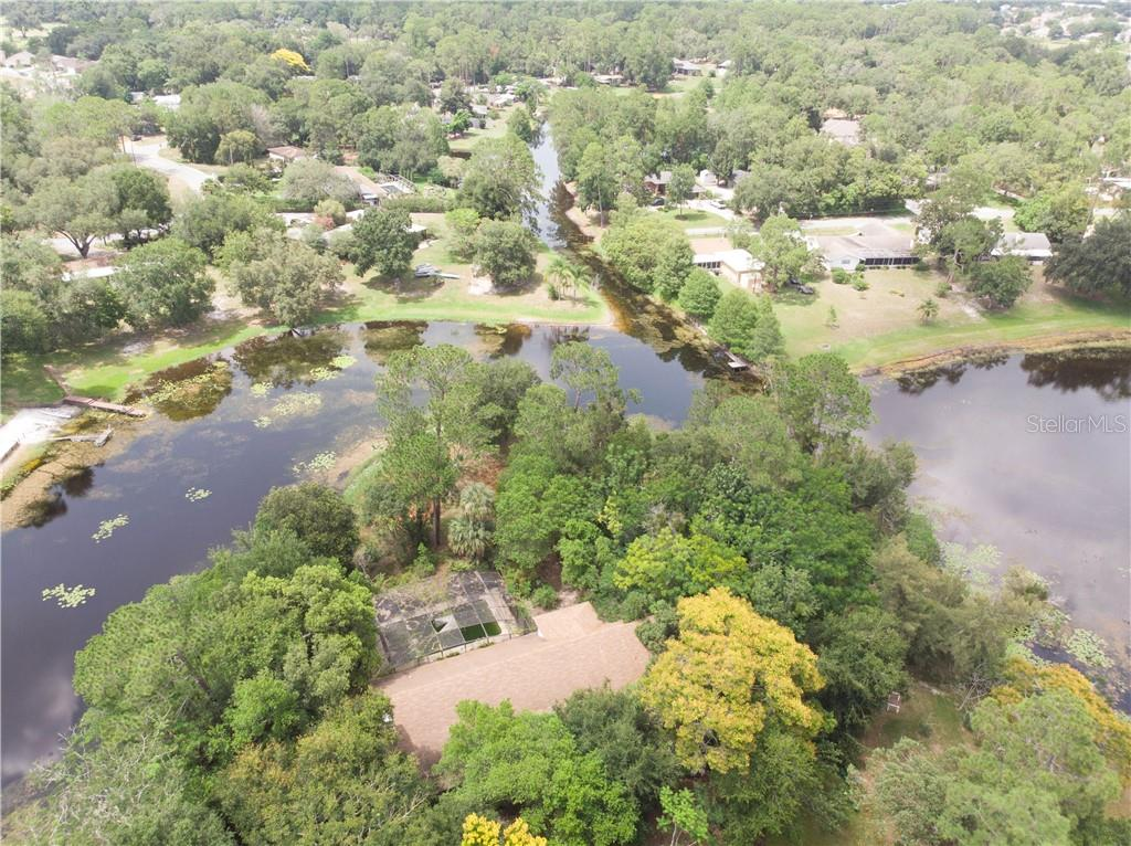 561 N Country Club Road Property Photo