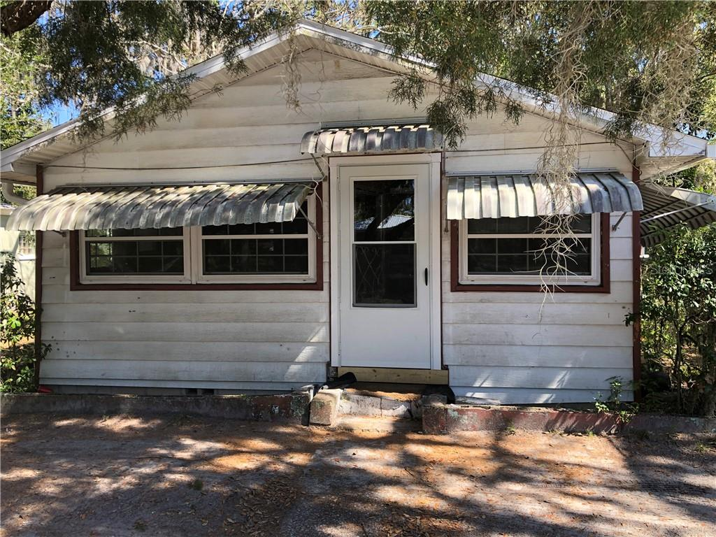 1704 N ORANGE STREET Property Photo - MOUNT DORA, FL real estate listing