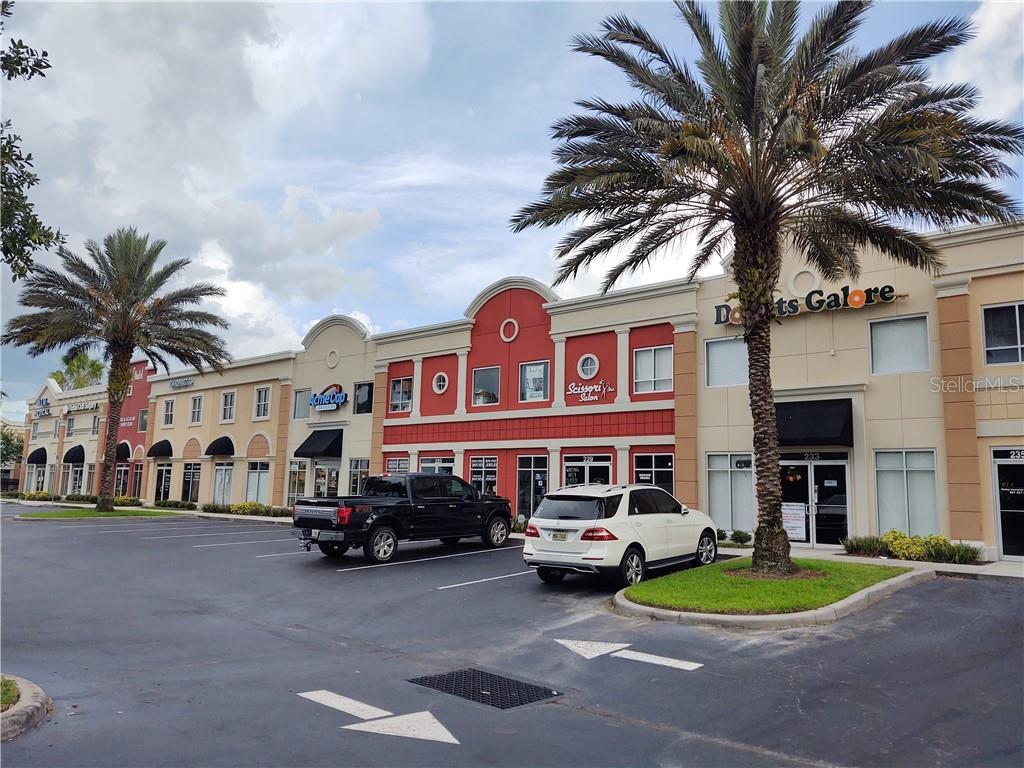 237 BELLAGIO CIRCLE Property Photo - SANFORD, FL real estate listing
