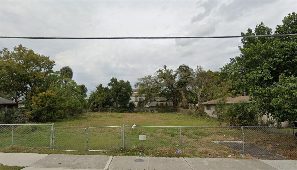 817 W JACKSON ST Property Photo