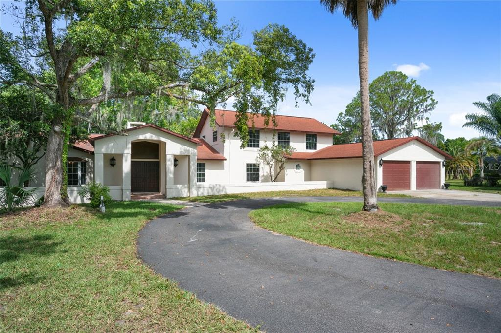 8282 EARLWOOD AVE Property Photo - MOUNT DORA, FL real estate listing