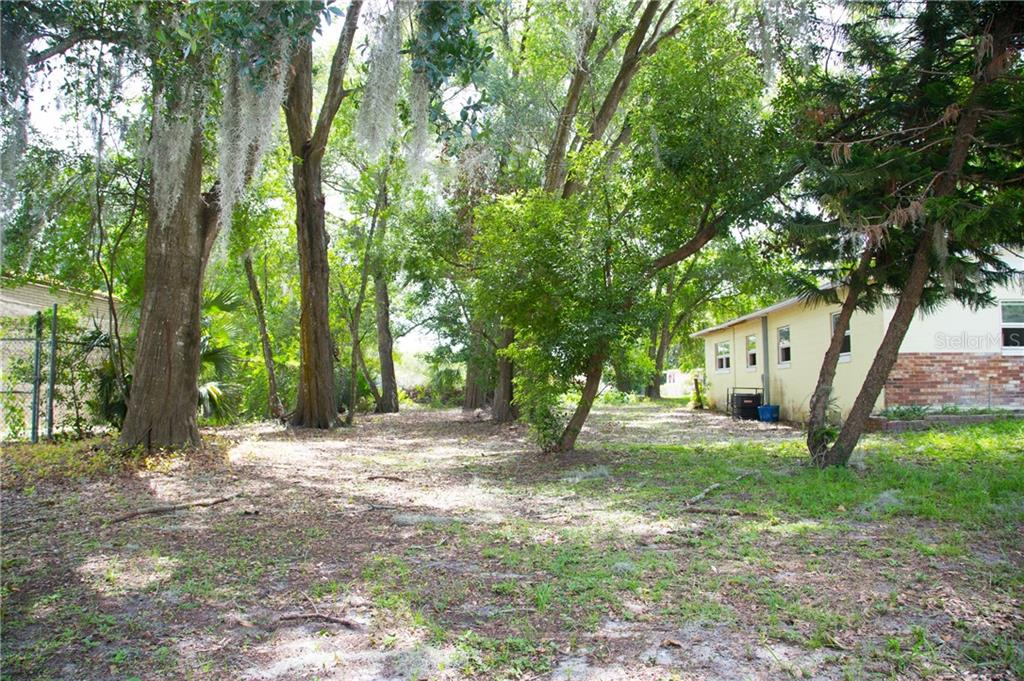 25 PEOPLE STREET Property Photo - EATONVILLE, FL real estate listing