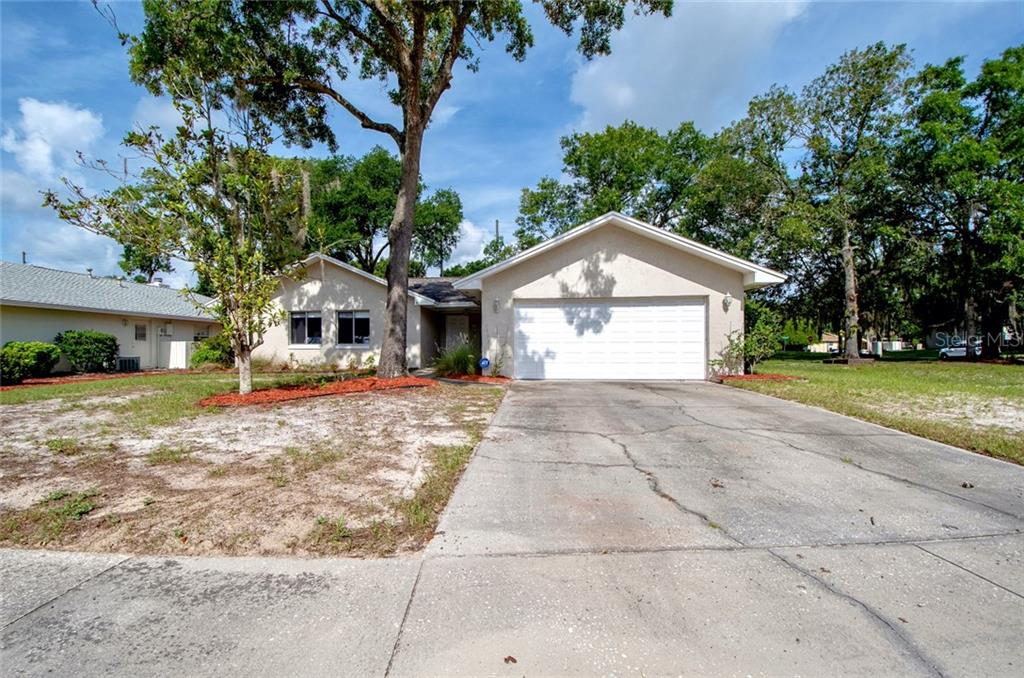 1561 Guinevere Dr Property Photo