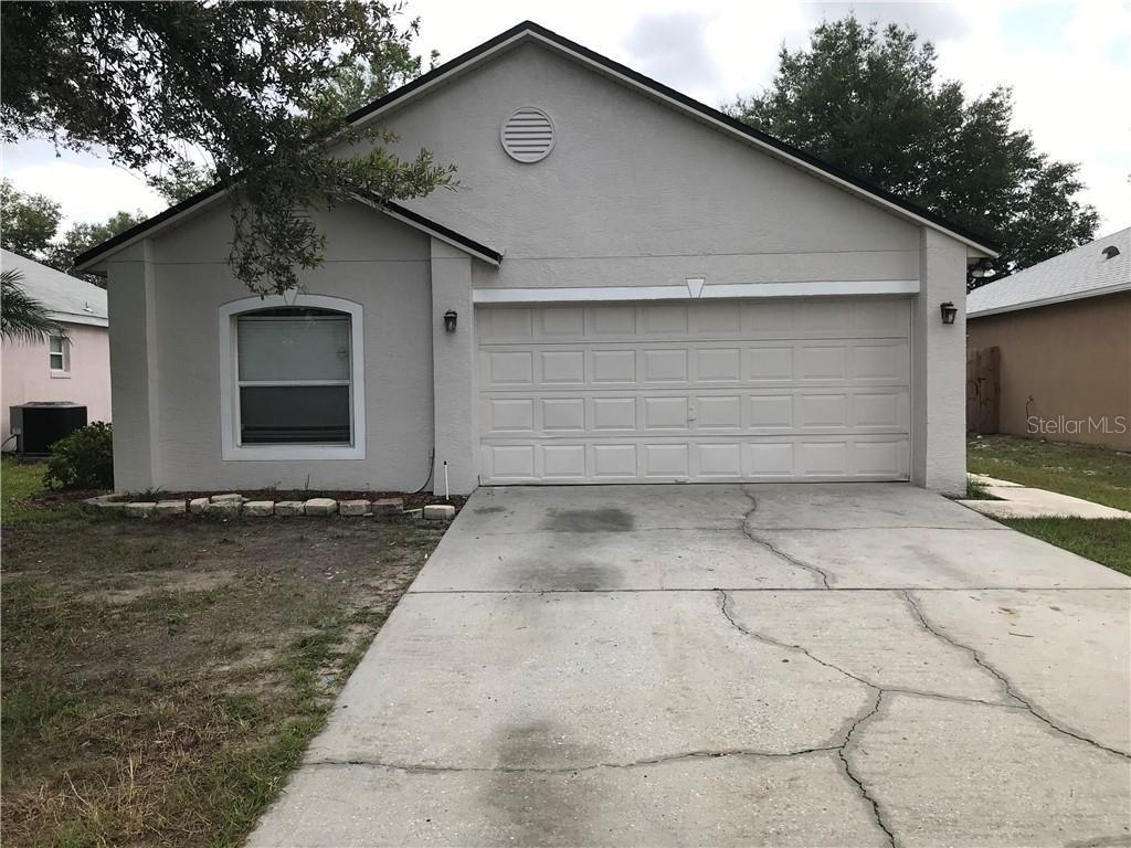 413 COMFORT DR Property Photo - APOPKA, FL real estate listing