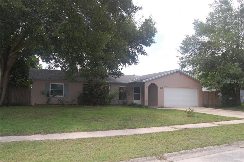 219 WAVERLY DR Property Photo - FERN PARK, FL real estate listing