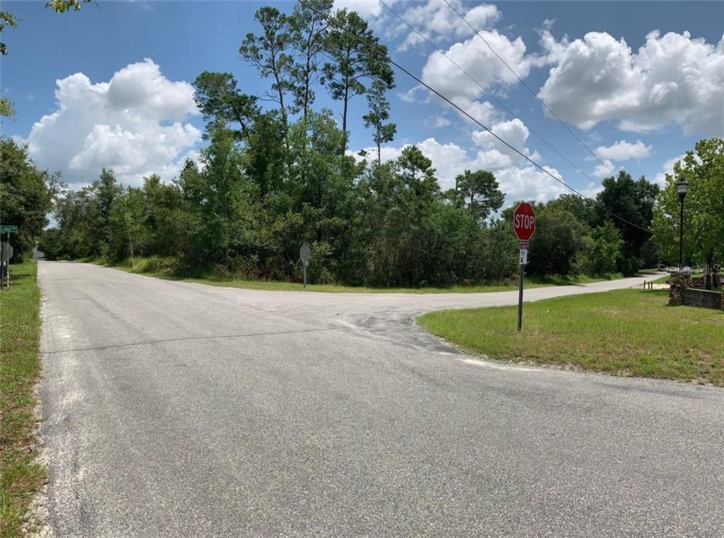 126 LAKE DR Property Photo - DEBARY, FL real estate listing