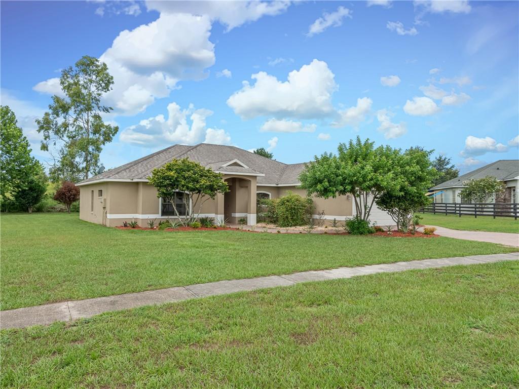 13433 CASA VERDE CIR Property Photo - ASTATULA, FL real estate listing