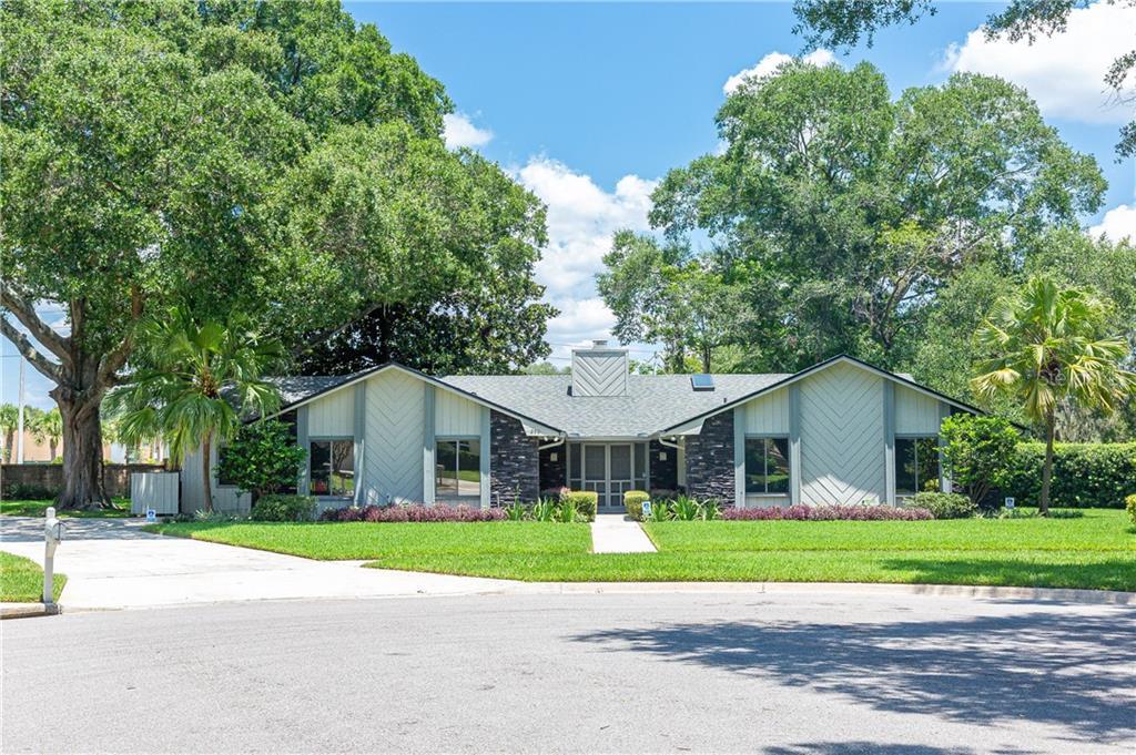 250 White Oak Cir Property Photo