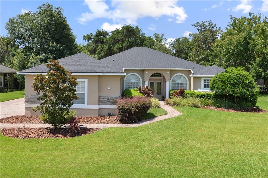 813 GREY HERON PLACE Property Photo - CHULUOTA, FL real estate listing