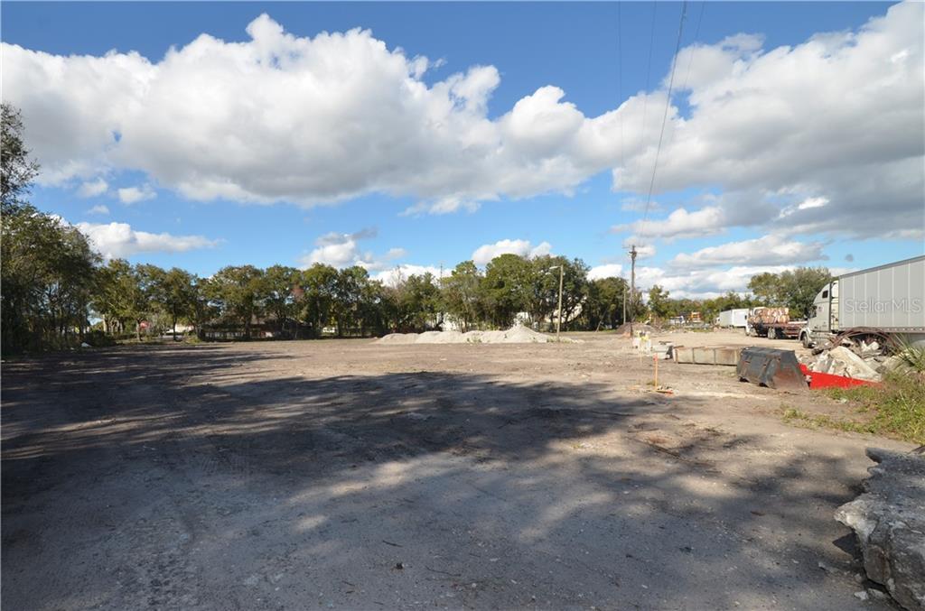 5303 N Orange Blossom Trail Property Photo