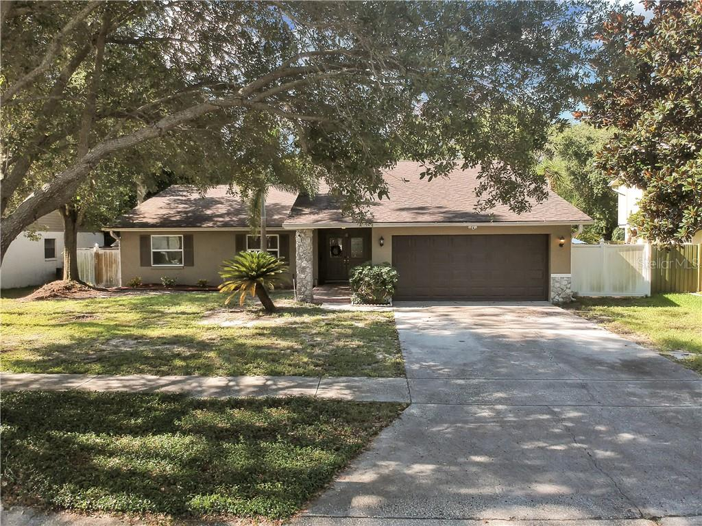 3317 FOXRIDGE CIR Property Photo - TAMPA, FL real estate listing