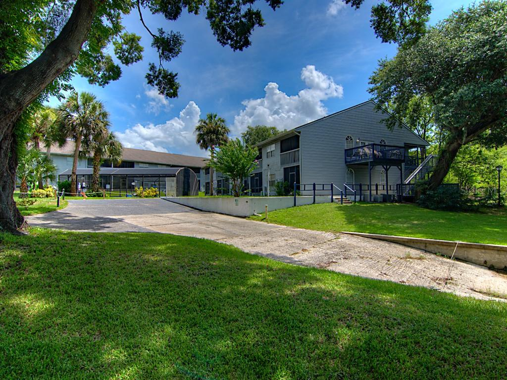 313 DIRKSEN DRIVE #A8 Property Photo - DEBARY, FL real estate listing