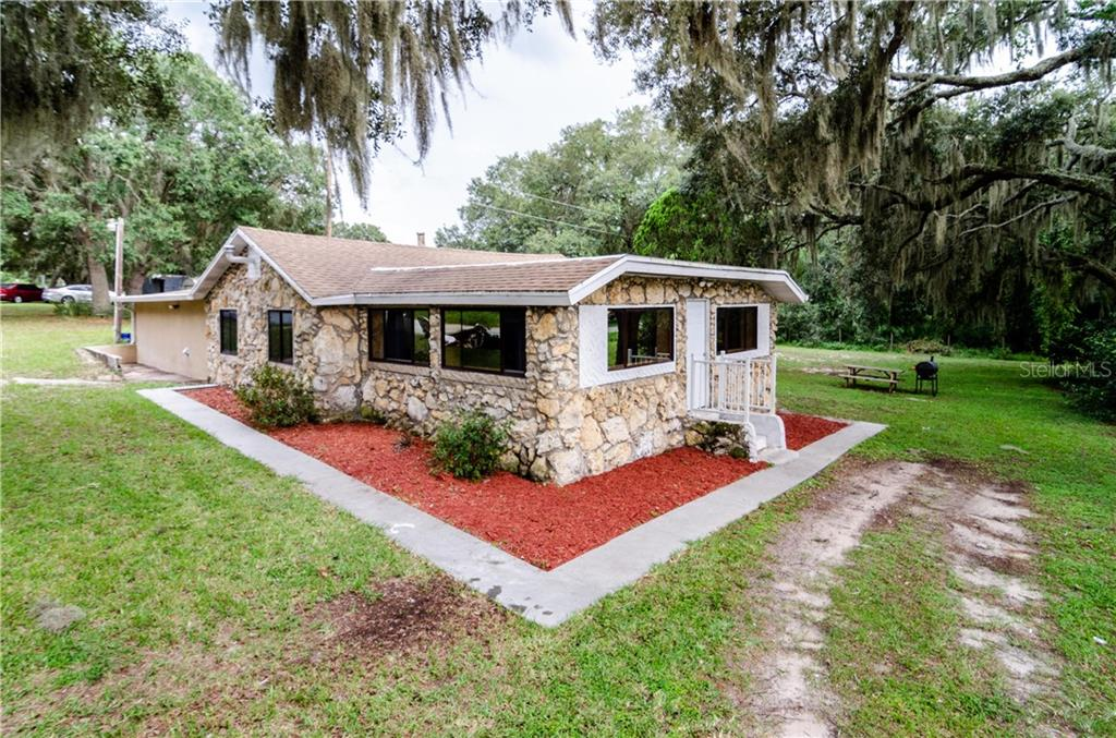 25332 COUNTY ROAD 561 Property Photo - ASTATULA, FL real estate listing
