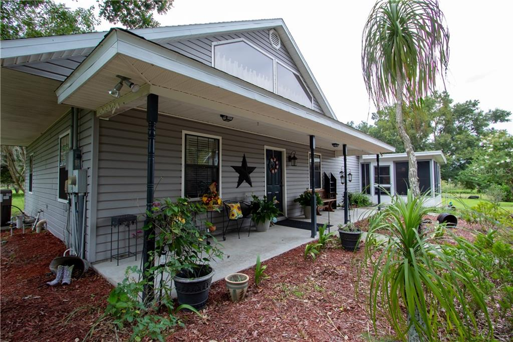 8711 NUMBER TWO ROAD Property Photo - HOWEY IN THE HILLS, FL real estate listing