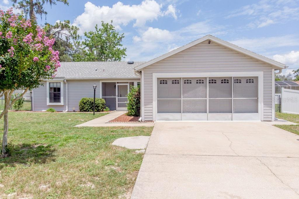 943 TREADWAY DRIVE Property Photo - DELTONA, FL real estate listing