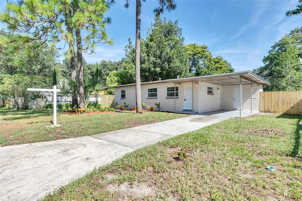 9 W SKYLARK STREET Property Photo - APOPKA, FL real estate listing