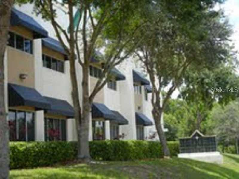 7802 KINGSPOINTE PARKWAY #209 Property Photo