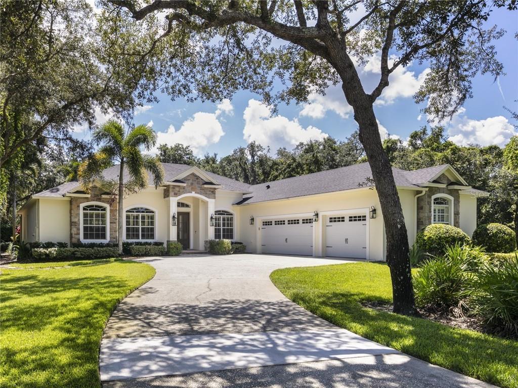 2887 UPLAND RIDGE COURT Property Photo - CHULUOTA, FL real estate listing