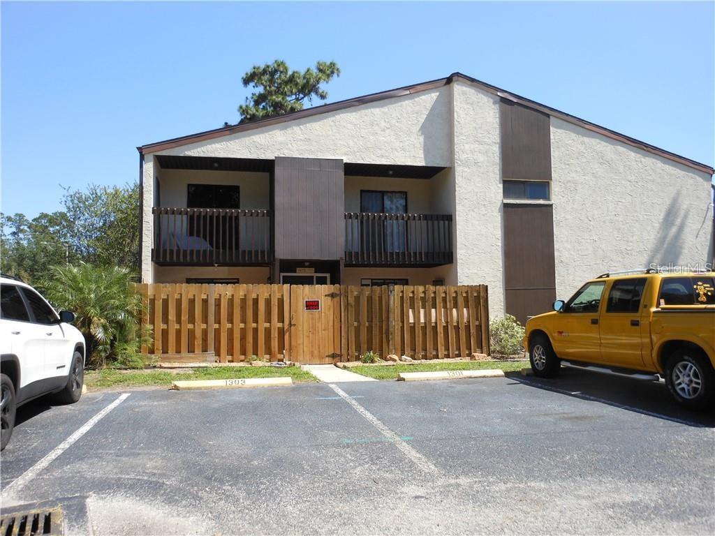 O5885606 Property Photo