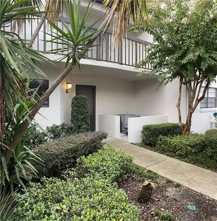 550 KILLARNEY BAY COURT #5 Property Photo - WINTER PARK, FL real estate listing