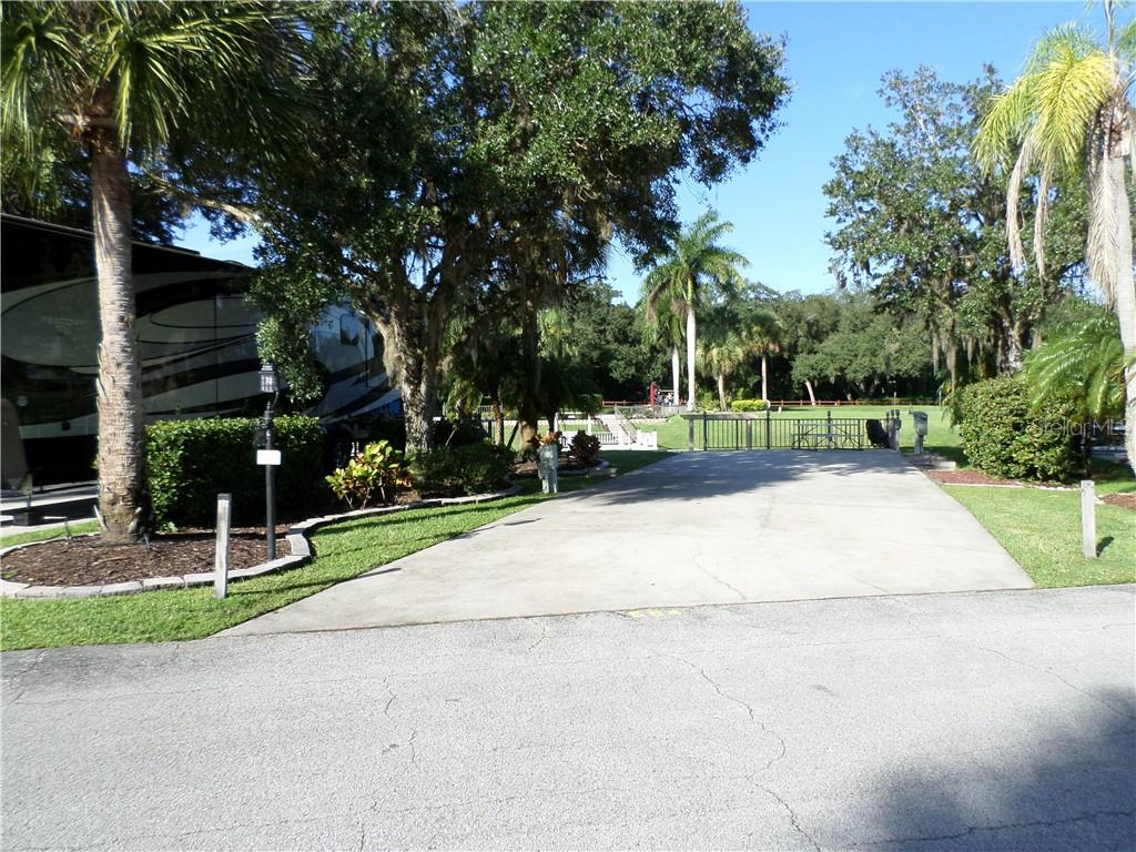 584 WATERWAY DRIVE Property Photo - RIVER RANCH, FL real estate listing