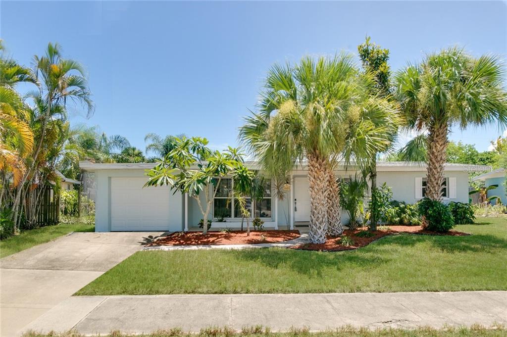 1555 GLEN HAVEN DRIVE Property Photo - MERRITT ISLAND, FL real estate listing