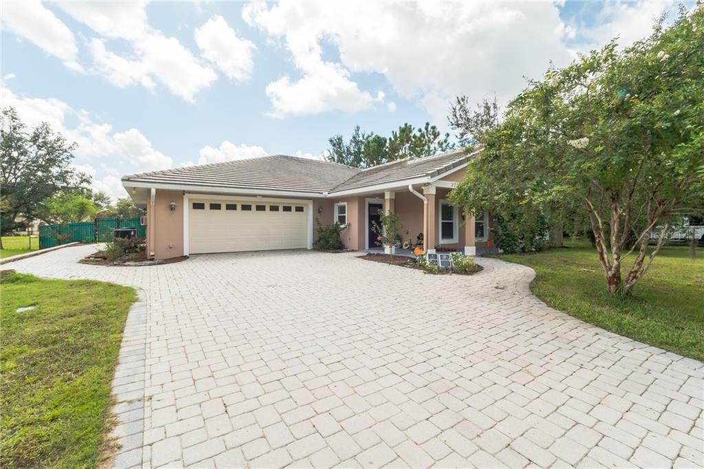 322 E HENSCHEN AVENUE Property Photo - OAKLAND, FL real estate listing