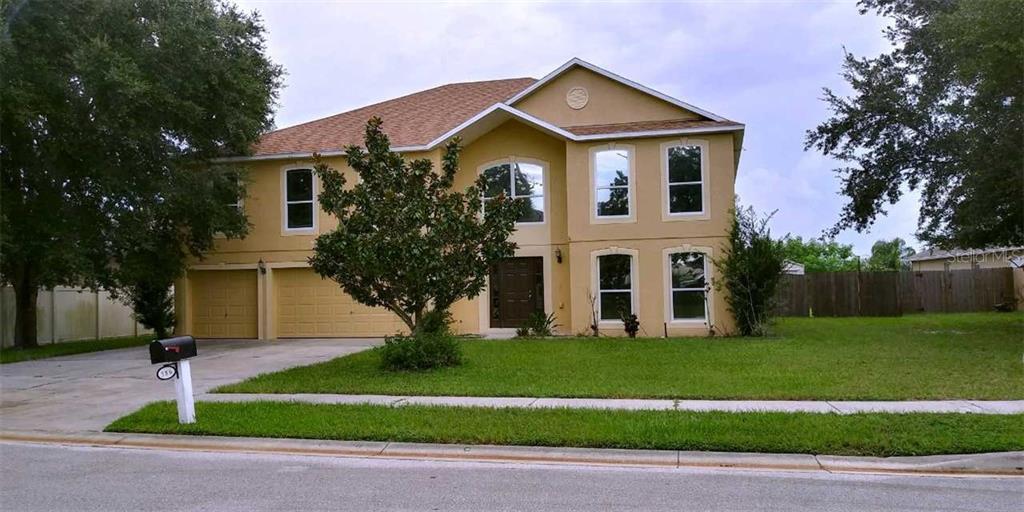 386 MEDALLION PLACE Property Photo - CHULUOTA, FL real estate listing