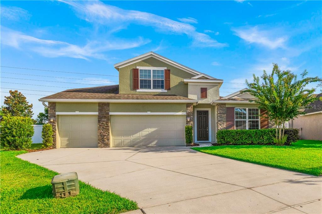 373 SKYVIEW PLACE Property Photo - CHULUOTA, FL real estate listing