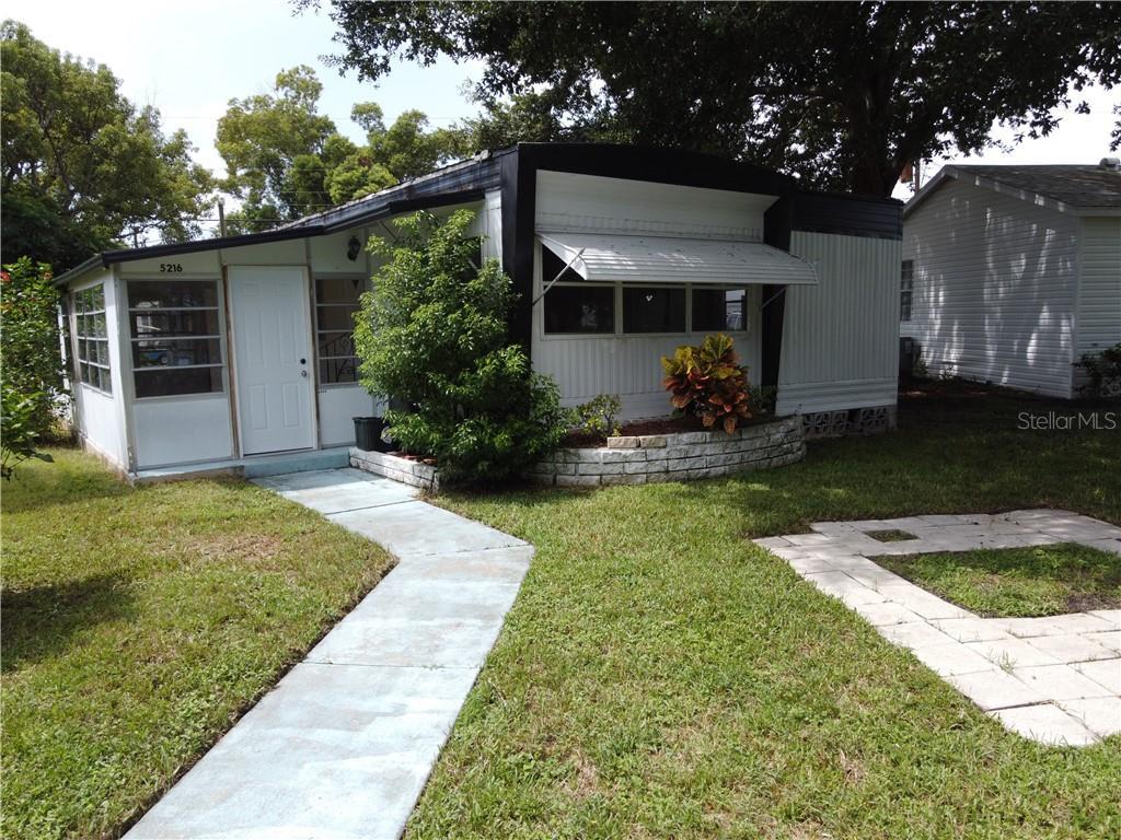 5216 PINELAND AVE Property Photo