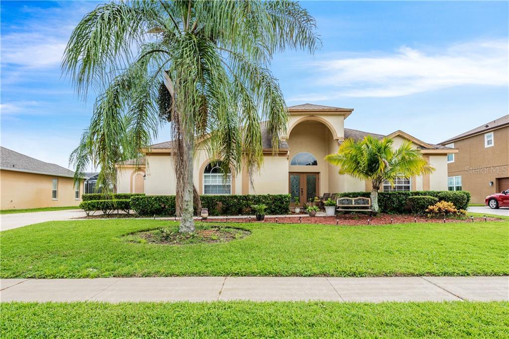 378 OSPREY LAKES CIRCLE Property Photo - CHULUOTA, FL real estate listing