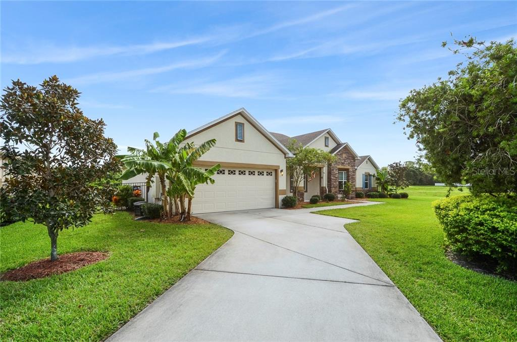 425 TORGIANO DRIVE Property Photo - OCOEE, FL real estate listing