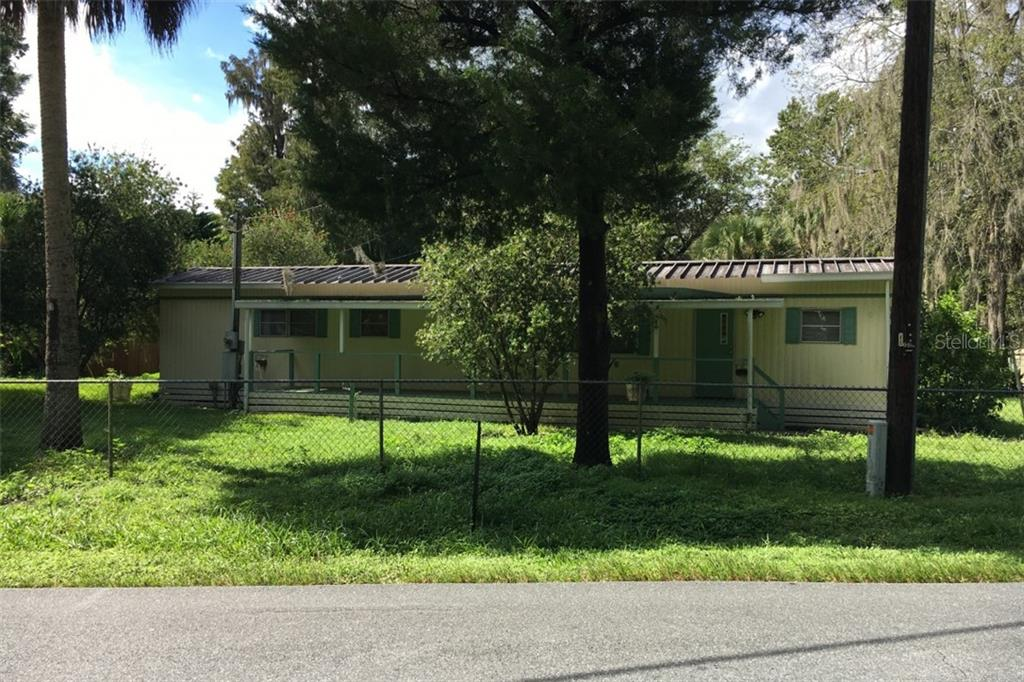 1881 CR 426 Property Photo - LAKE PANASOFFKEE, FL real estate listing