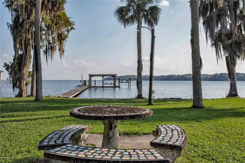 1547 COUNTY ROAD 309 Property Photo - GEORGETOWN, FL real estate listing