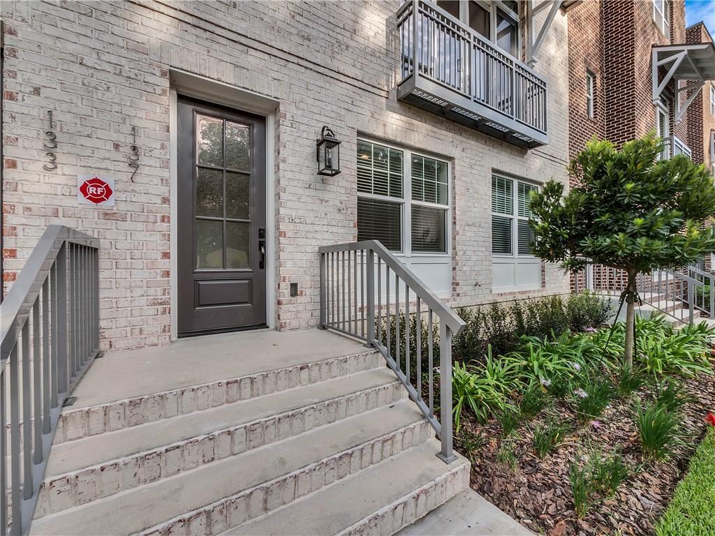 137 S Park Avenue Property Photo