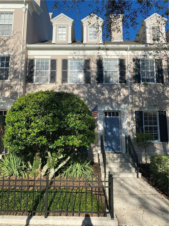 561 Campus Street Property Photo