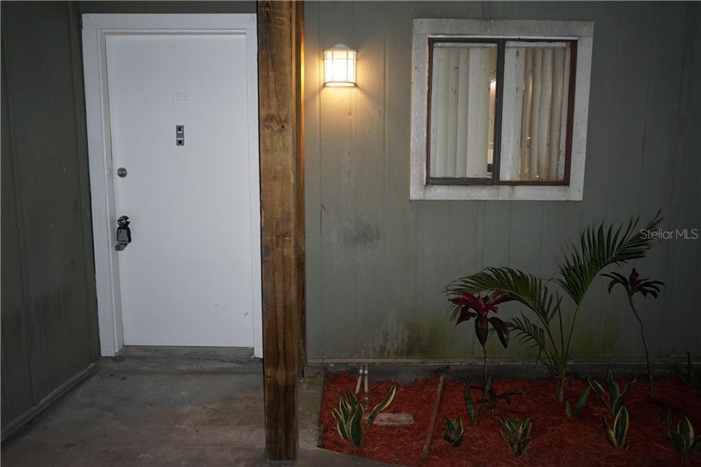 189 SCOTTSDALE SQUARE #189 Property Photo - WINTER PARK, FL real estate listing