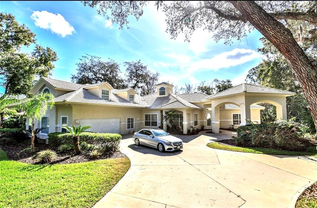 18 MOSS POINT DRIVE Property Photo - ORMOND BEACH, FL real estate listing