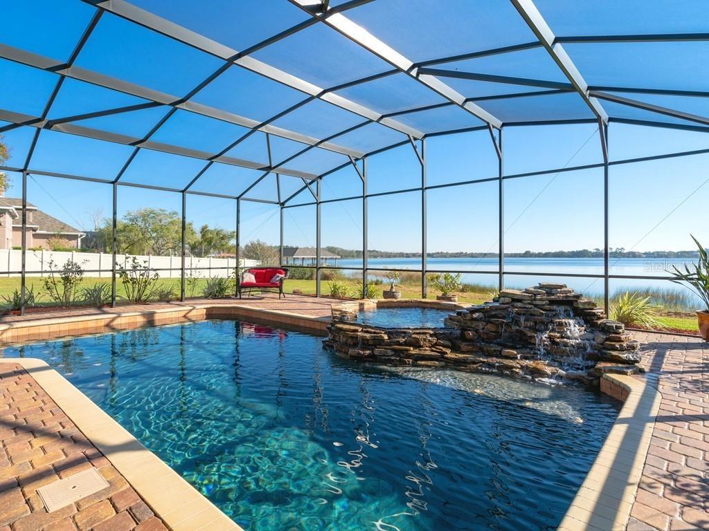 375 LOCH LEVEN LANE Property Photo - MOUNT DORA, FL real estate listing