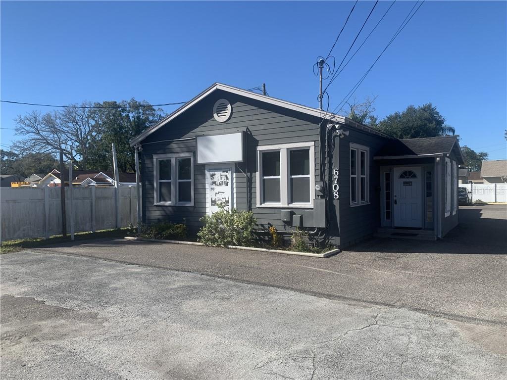 6708 N Himes Avenue Property Photo