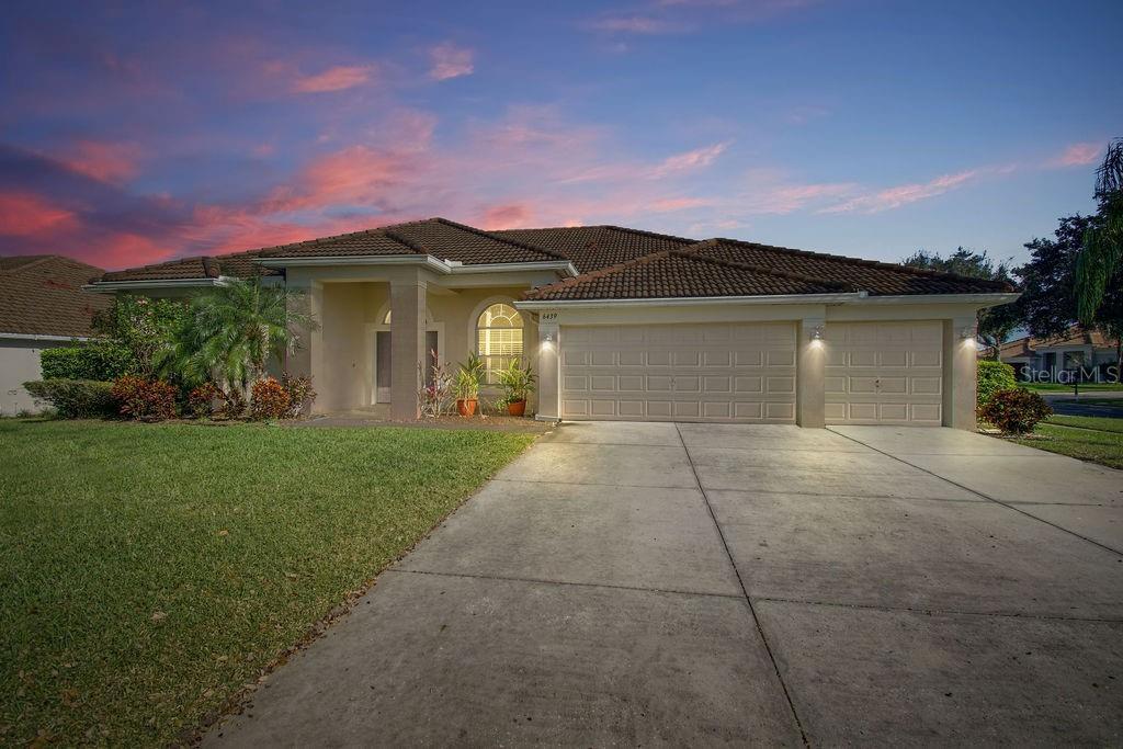 6439 MONTCLAIR BLUFF LANE Property Photo - WINDERMERE, FL real estate listing